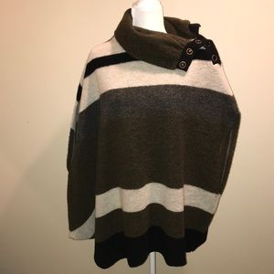 Cozy wool button collar cape